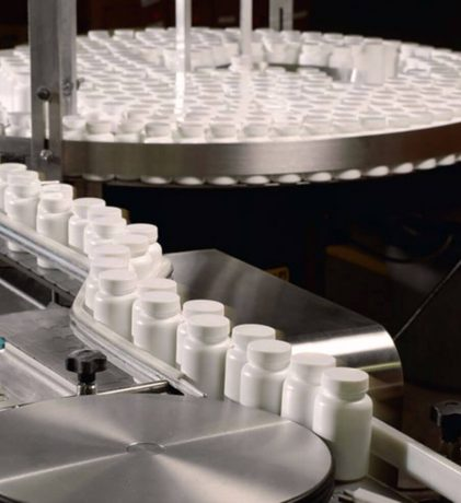 Pharma-Bottlingline-parallax